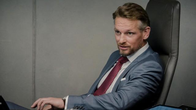 Barry Atsma wint prijs voor acteerspel in Bad Banks